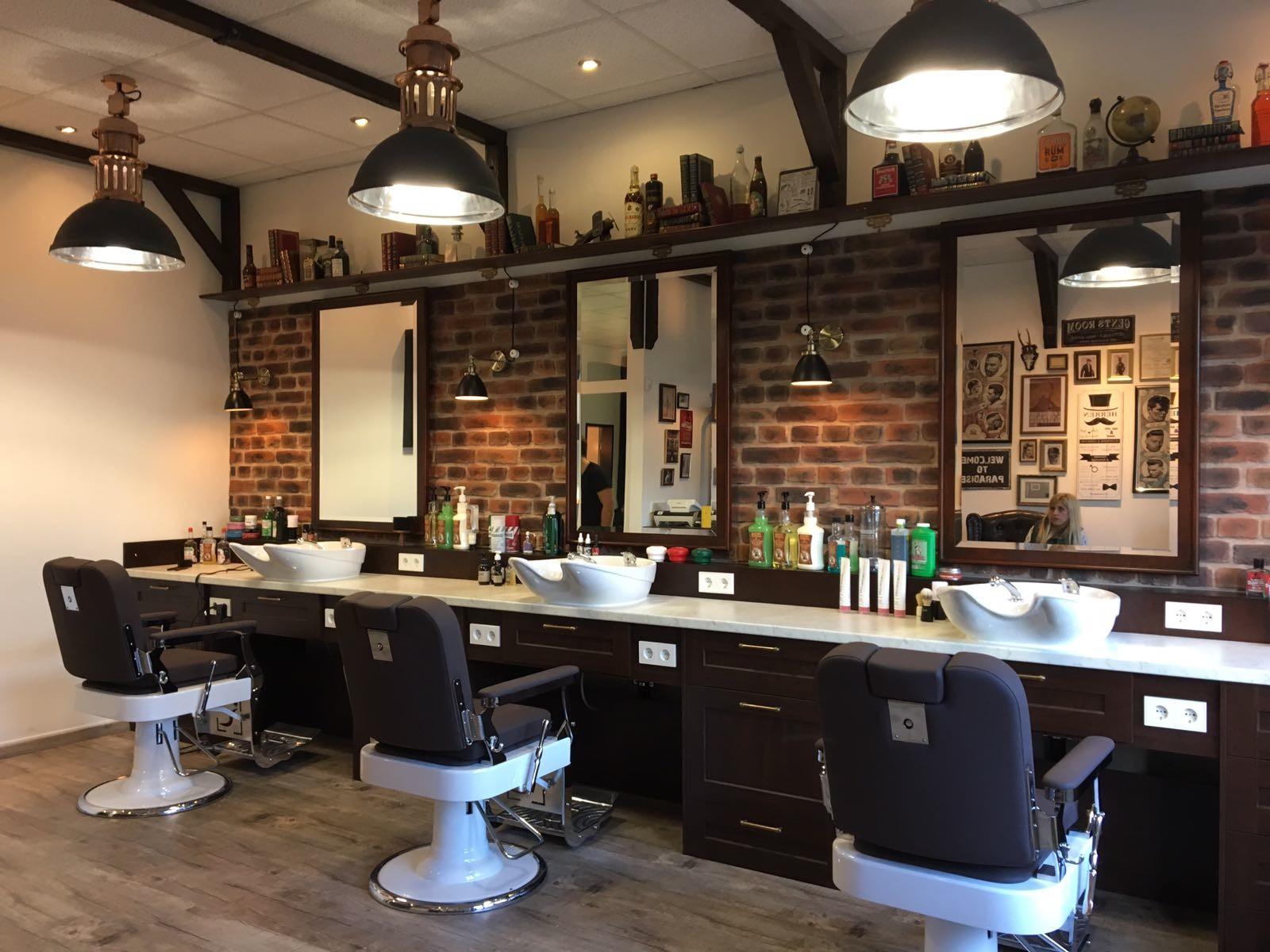 Aaron simon barber shop in kelkheim for Einrichtung deko shop
